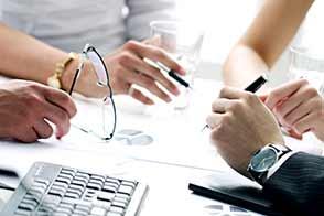 Consulenza ai clienti nella produzione di integratori alimentari